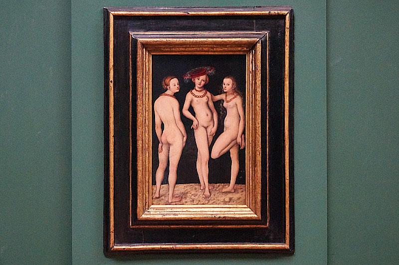 ルーカス・クラナッハ《三美神》(1531) ※実際にルーヴルに展示されてたところ