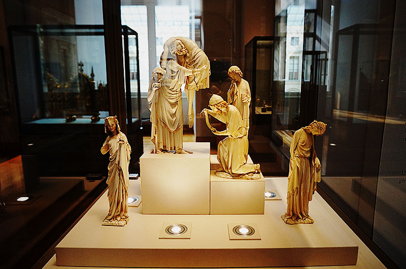 「聖ヨハネ」と「シナゴーグのアレゴリー」を含む「十字架降架」シリーズ